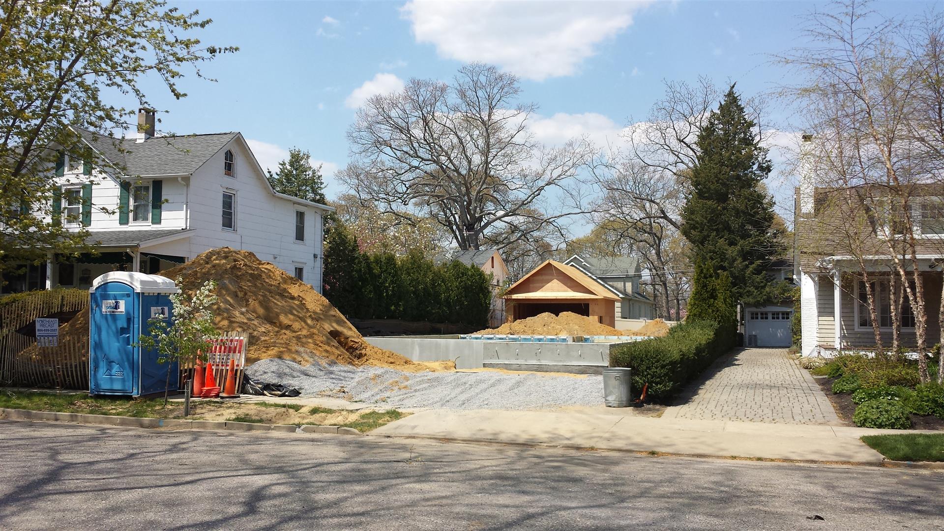 2015-05-04 Construction begins